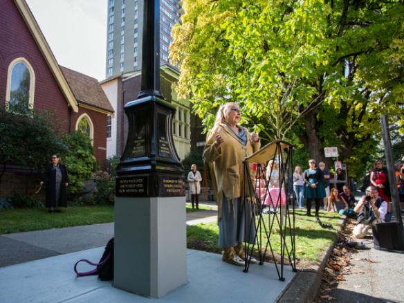 Un monumento conmemorativo dedicado a las trabajadoras sexuales del West End en Vancouver.  Ben Nelms para el National Post